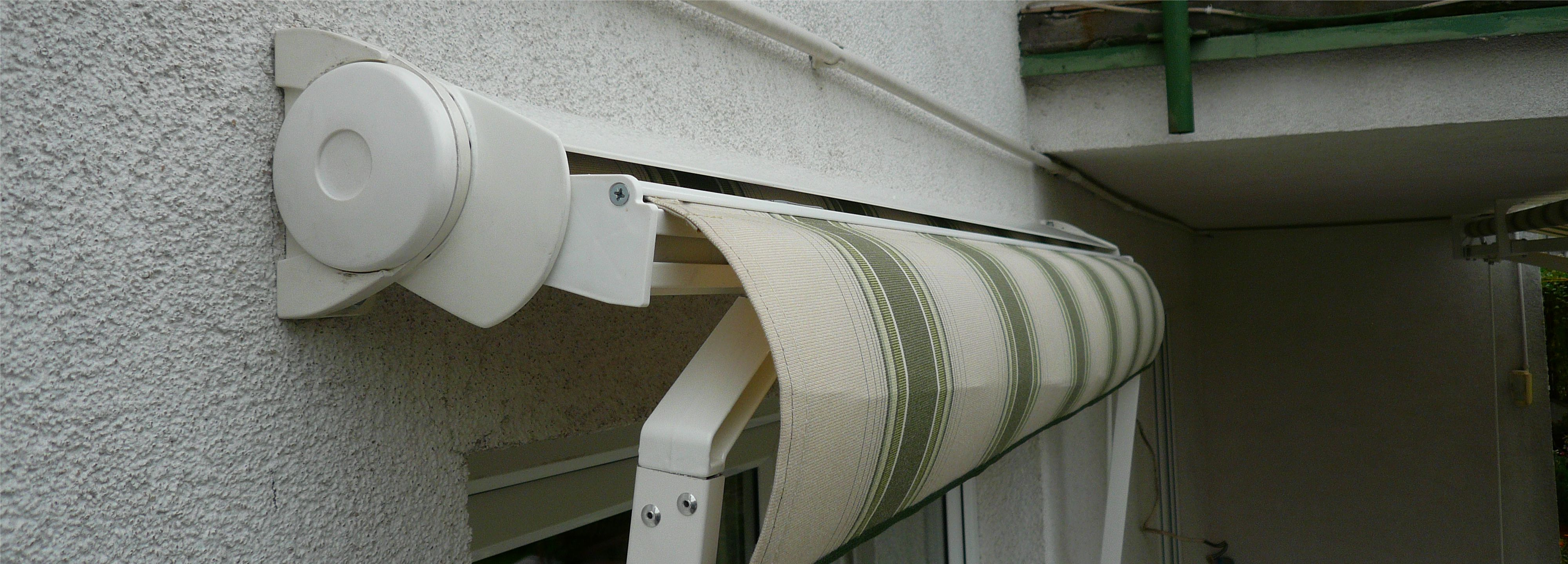 Markiza balkonowa - półkaseta
